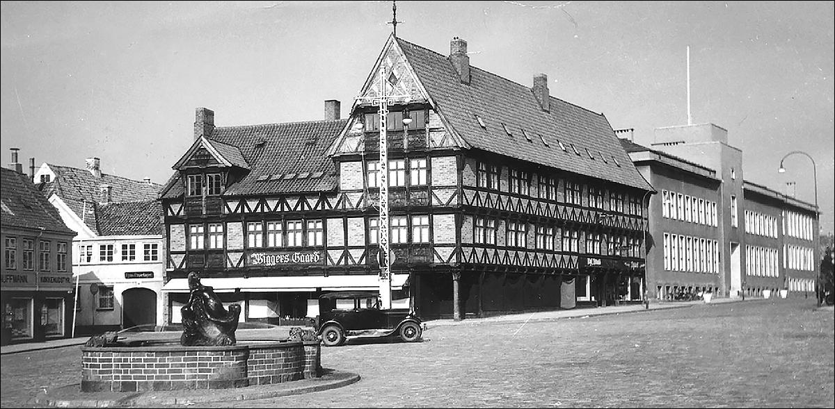 Torvet-Springvand-1940